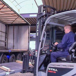 Bonke Logistik. Verladung von Laserteilen